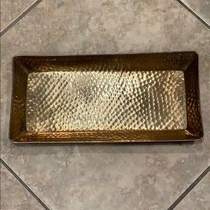 Threshold gold catch-all tray